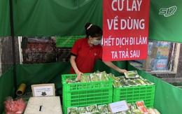 """""""Cửa hàng giãn cách không người bán"""" đồng giá 10k, người khó khăn ở Hà Nội cứ đến lấy về dùng, tiền trả """"lúc nào cũng được"""""""
