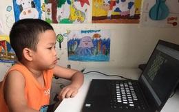 """Một tiết con học online, bố """"giật"""" máy 4 lần nghe điện thoại"""