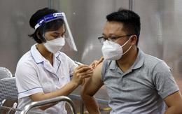 """Hà Nội: Nghiêm cấm thu tiền, nhận """"bồi dưỡng"""" liên quan đến tiêm vaccine COVID-19"""