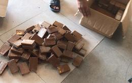 Kiểm tra xe đi không đúng luồng, phát hiện 234 gói hàng lạ không rõ nguồn gốc