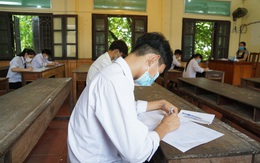 Hải Phòng: Thí sinh bớt căng thẳng sau ngày đầu thi tốt nghiệp THPT đợt 2
