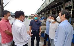 Mở lại hoạt động tập kết và trung chuyển, chợ lớn nhất TP HCM phòng COVID-19 thế nào?