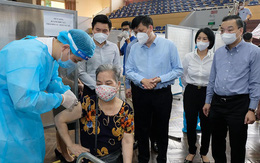 Công suất tiêm vaccine COVID-19 ở Hà Nội đạt mức cao nhất từ trước tới nay