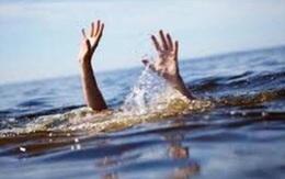 Đi bẫy chim rồi xuống hồ rửa chân, 2 em nhỏ bị đuối nước thương tâm