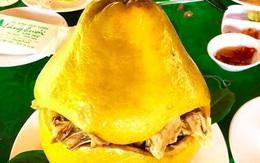 Bắt cả con gà chui tọt vào quả bưởi để làm thành đặc sản nổi tiếng của người Đồng Nai