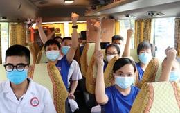 """Tạm biệt người thân, 70 cán bộ, nhân viên y tế Quảng Ninh """"nam tiến"""" hỗ trợ TP Hồ Chí Minh chống dịch"""