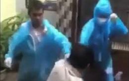 Hé lộ nguyên nhân sự việc 2 người mặc đồ bảo hộ xô xát với người dân ở TP.HCM