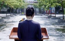 Tranh cãi về hình xăm của cô hiệu phó Văn Thùy Dương trong ngày khai trường