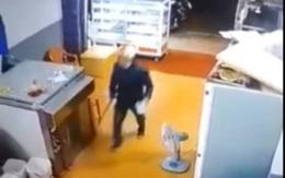 Vụ người chồng nghi án đánh vợ cũ ngất xỉu rồi nhảy hồ tự tử: Lộ clip gây kinh hãi