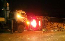 Quảng Ninh: Xe tải chở sữa lật đè lên xe máy, 2 người chết tại chỗ