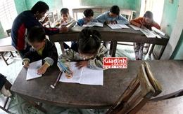 Lớp học đẫm tình người của thầy giáo khuyết tật