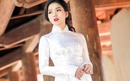 Lệ Quyên nhìn như nữ sinh trong trang phục áo dài