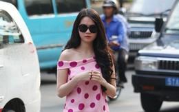 Sao Việt phối màu chuẩn dạo phố