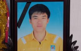 """Trao tặng huy hiệu """"Tuổi trẻ dũng cảm"""" cho Trần Hữu Hiệp"""