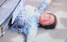 Người phụ nữ cởi áo ăn vạ, cắn cảnh sát