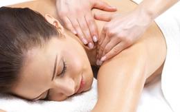 Chồng đi massage nữ, tôi cũng thử đi massage nam