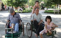 Tình người cảm động nơi những người lính ngồi trên xe lăn