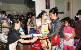 Cảm động quán cơm trưa 2.000đ/suất giúp người nghèo