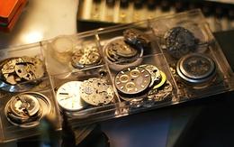 Thợ sửa đồng hồ thu nhập tới cả ngàn đô