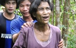 Giải cứu cha con 'người rừng' sống 40 năm trên cây