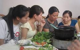 Người Hà Nội đua ăn đặc sản vùng miền