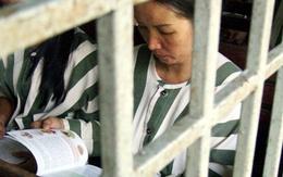 """""""Thâm cung bí sử"""" (57-7): Nụ hôn trước cửa trại giam"""