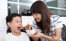 Con không ăn thì bỏ: Vớ vẩn!