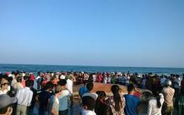 Người dân Thanh Hóa tổ chức lễ tang cho cá voi khổng lồ