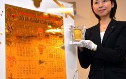Ngắm cuốn lịch năm mới khổng lồ được làm bằng 10kg vàng ròng