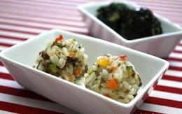 3 kiểu cơm nắm tiện lợi cho bữa trưa văn phòng