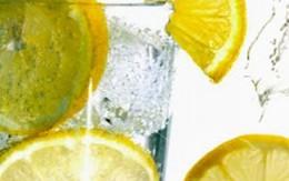 Tại sao nên uống nước chanh buổi sáng