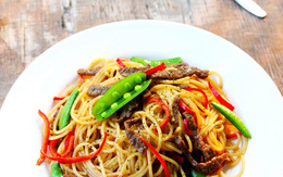 Mỳ spaghetti xào thịt bò làm nhanh ăn ngon