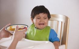 Giải đáp những khó khăn của mẹ khi cho con ăn