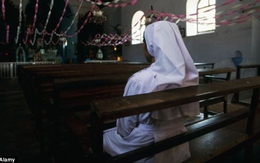 Nữ tu sĩ bị 3 anh họ hãm hiếp suốt một tuần