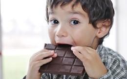 Xử lý thói xấu khi ăn của trẻ