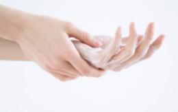 5 cách chống da tay bị khô mùa thu