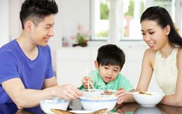 Trẻ nặng vượt chuẩn: nên lo dần