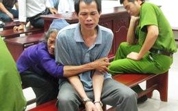 Bị cáo giết người oà khóc trước toà