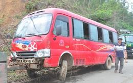 Đà Nẵng: Hàng chục hành khách la hét khi xe khách lao xuống vệ đường