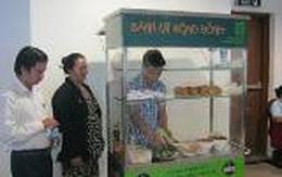 TP HCM: Trao tặng xe bánh mì cộng đồng