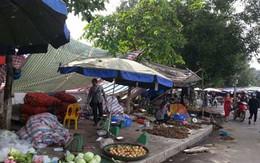 Chợ cóc, hàng quán bủa vây Thành cổ Sơn Tây