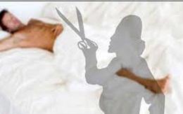 """Bị làng phạt 200.000 đồng vì cắt """"của quý"""" của chồng"""
