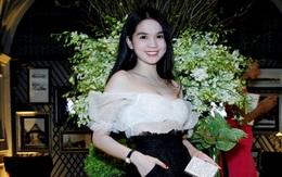 Ngọc Trinh đẹp như Bạch Tuyết tiệc tùng cùng dàn người đẹp ở Thái Lan