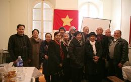 Hội sinh viên Việt Nam và Việt kiều tại Pháp hướng về miền Trung