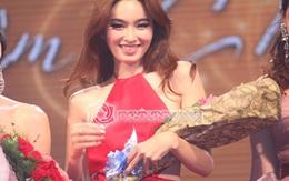 Nong Poy khoe lưng trần nuột nà trong liveshow Lâm Chi Khanh