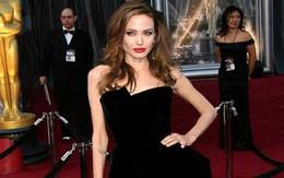 Stylist của Angelina Jolie: 'Luôn chuẩn bị ít nhất 20 bộ váy'
