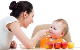 Giúp mẹ lựa chọn hoa quả cho bé