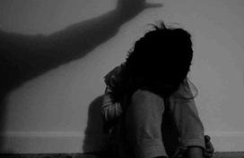 Bé gái 12 tuổi ở Hà Nội bị 3 thanh niên hiếp dâm