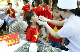 Triển khai chiến dịch bổ sung vitamin A liều cao đợt 2 cho trẻ trên toàn quốc