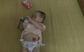 Tương lai chồng chất khó khăn của cô bé 5 tuổi mang đa dị tật bẩm sinh